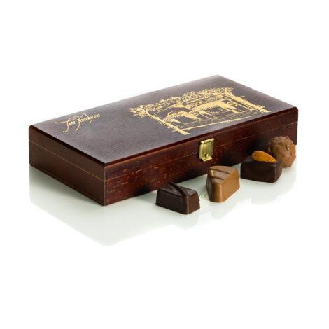 Gaveæske, Frederiksberg Chokolade. 18 stk.